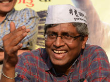 Sex scandal: AAP distances itself from Ashutosh's blog