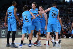 Robert Loe of the Breakers (R) celebrates hitting a three pointer with team mates during the round five NBL match between Melbourne United and the New Zealand Breakers on November 4, 2016 in Melbourne, Australia.