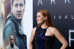 Amy Adams speaks out on 'Arrival' Oscars buzz