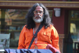 Swamiji plans to make 100 cr movie on his life