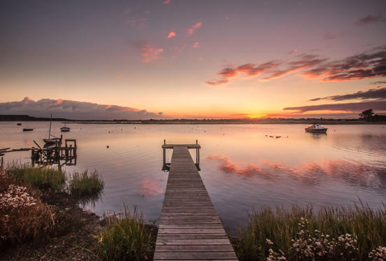Diapositiva 1 de 32: Sunset over Mudeford, Dorset, UK - 12 Oct 2016 Sunset over Mudeford