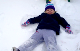 14 kids adorably fail at snow angels