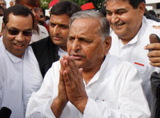 What are the options left with Mulayam?