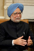 Indian economy in a mess: Manmohan Singh