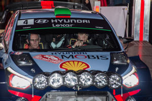 "<span style=""font-size:13px;"">Kiwis Hayden Paddon and John Kennard will wear black arm bands in round two of the World Rally Championship in memory of the spectator killed in Monte Carlo.</span>"