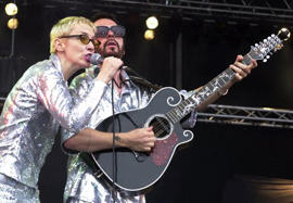 EURYTHMICS: Sweet dream: Eurythmics uniting at Beatles tribute