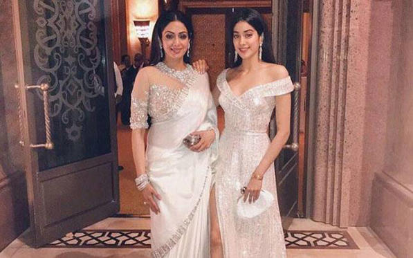 "If her 53-year-old mom is a fashionista, Jhanvi Kapoor is no less. Following the footsteps of her superstar mom Sridevi, the diva daughter is taking the style quotient to another level. And this new picture shared by Sridevi on Valentine's Day is a proof of it.  <br /><div class=""photocap"" style=""margin:0px;padding:0px 5px 5px 0px;color:#414141;font-size:16px;box-sizing:initial !important;font-variant-numeric:normal !important;line-height:20px !important;font-family:roboto !important;""><br /></div>"
