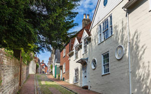 Lewes exudes a well-heeled artsy charm and is just a few miles away from Brighton CREDIT: ALAMY