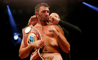 "<span style=""font-size:13px;"">Englishman Hughie Fury's camp has apologised for the late cancellation of his title shot against New Zealand's Joseph Parker, saying a back injury is behind it.</span>"