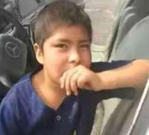 <!--:es-->Niño vendedor de papas quiere viajar en limusina en su cumpleaños<!--:-->