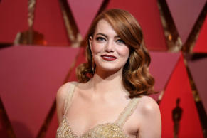 Emma Stone arrives at the Oscars on Sunday, Feb. 26, 2017.