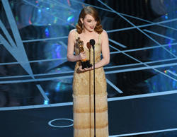 HOLLYWOOD, CA - FEBRUARY 26:  Actress Emma Stone accepts Best Actress for 'La La...