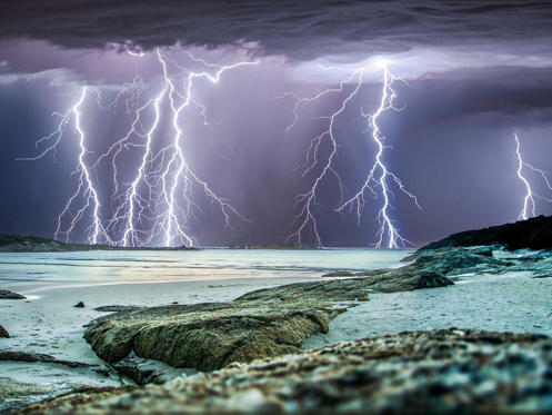Australian photographer chases stunning images of thunderstorms