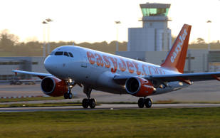 Unaccompanied child removed 'left alone at the departure gate' by Easyjet