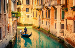 When you go to Venice, you inevitably want to sign hop on board a gondola to see the city's famous canals from the water. What should be a serene, peaceful experience, though, is sometimes quite the opposite...