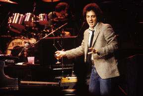 NEW YORK - DECEMBER 15: American pianist, singer-songwriter and composer Billy Joel performing at Madison Square Garden on December 15, 1978 in New York City. (Photo by Waring Abbott/Getty Images)