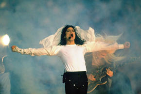 - Super Bowl XXVII: Celebrity musician Michael Jackson performs halftime show during Dallas Cowboys vs Buffalo Bills. Pasadena, CA 1/31/1993 CREDIT: Damian Strohmeyer (Photo by Damian Strohmeyer /Sports Illustrated/Getty Images) (Set Number: X43853 )