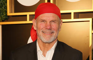 Peter FitzSimons has put his support behind the marriage equality campaign on the same day Wallabies star Israel Folau voiced his opposition to it.