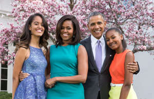 WASHINGTON, DC - APRIL 05: U.S. President Barack Obama, First Lady Michelle Obama, and daughters Malia (L) and Sasha (R) pose for a family portrait with their pets Bo and Sunny in the Rose Garden of the White House on Easter Sunday, April 5, 2015 in Washington, DC. (Photo by Pete Souza/The White House via Getty Images)