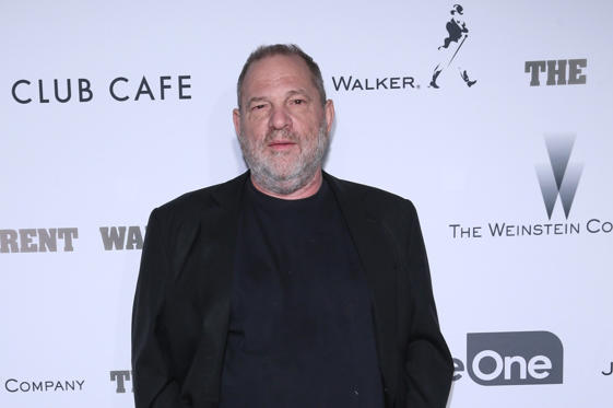 Bild 1 av 12: TORONTO, ON - SEPTEMBER 09: Film Producer Harvey Weinstein attends Alfonso Gomez-Rejon's 'The Current War' TIFF Premiere Party Hosted by Cactus Club Cafe And Johnnie Walker Black Label at First Canadian Place on September 9, 2017 in Toronto, Canada. (Photo by GP Images/WireImage)