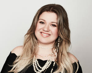 Kelly Clarkson recently admitted during a new radio interview that she spanks her three-year-old daughter because she herself was spanked as a child.