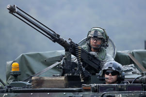 POCHEON, SOUTH KOREA - SEPTEMBER 19: U.S. soldiers on M113 armored vehicles take part during the Warrior Strike VIII exercise at the Rodriguez Range on September 19, 2017 in Pocheon, South Korea. The United States 2ID (2nd Infantry Division) stationed in South Korea operates the exercise to improve defense capability from any invasion. (Photo by Chung Sung-Jun/Getty Images)