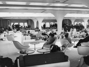 The interior of the 'Queen's Room' on the QE2 liner as it was almost 40 years ago (Getty)