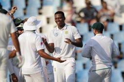 SA ahead after 11-wkt day at Jo'Burg
