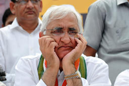 NOIDA, INDIA - SEPTEMBER 18: Congress leader Salman Khurshid visits in preparedness for upcoming assembly election, on September 18, 2016 in Noida, India. (Photo by Sunil Ghosh/Hindustan Times via Getty Images)