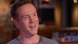 Damian Lewis smiling for the camera: 'Billions' star Damian Lewis shares why he was shaking before meeting Steven Spielberg