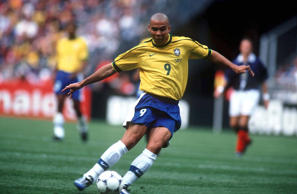 FRANCE - JUNE 10: WM FRANCE 98 Paris St.Denis; BRASILIEN - SCHOTTLAND 2:1 (BRA - SCO); RONALDO/BRA (Photo by Henri Szwarc/Bongarts/Getty Images)