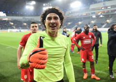 GENT, BELGIUM - APRIL 29 : Guillermo Ochoa goalkeeper of Standard Liege celebrates the win during the Jupiler Pro League Play-Off 1 match between Kaa Gent and Standard of Liege at Ghelamco stadium on April 29, 2018 in Gent, Belgium, 29/04/2018 ( Photo by Philippe Crochet / Photonews  via Getty Images)