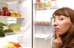Experts say you're probably packing your fridge wrong