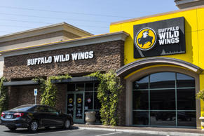 Tuesday is the best day to visit Buffalo Wild Wings, but not for the reason you'd expect. The restaurant chain is trading in its hugely popular Tuesday half-off wings special for a BOGO boneless wings deal. You've gotta admit, it's still a bargain. If you think about it, you're still getting double the wings for half the price. Want to re-create the experience at home? We've got just the thing.