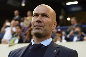 VILLARREAL, SPAIN - MAY 19:  Zinedine Zidane, Manager of Real Madrid looks on prior to the La Liga match between Villarreal and Real Madrid at Estadio de La Ceramica on May 19, 2018 in Villarreal, Spain.  (Photo by Manuel Queimadelos Alonso/Getty Images)