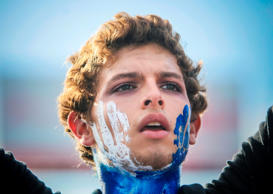 A youngster takes part in a protest of the 'Madres de Abril' (Mothers of April) movement in demand of justice for their sons -killed during the recent protests against the government- at the Ruben Dario roundabout in Managua on May 17, 2018. - Nicaraguan President Daniel Ortega opened talks on Wednesday with opposition groups in a bid to quell a month of anti-government unrest that has seen more than 50 people killed. (Photo by INTI OCON / AFP)        (Photo credit should read INTI OCON/AFP/Getty Images)