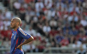 French forward Thierry Henry reacts to a missed shot during the 2006 World Cup group G Football match France vs. Switzerland, 13 June 2006, in Stuttgart, Germany.