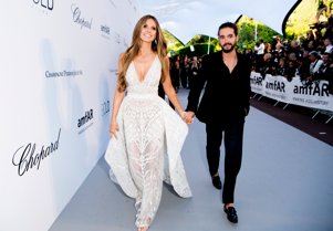 CAP D'ANTIBES, FRANCE - MAY 17: Heidi Klum and Tom Kaulitz arrive at the amfAR Gala Cannes 2018 at Hotel du Cap-Eden-Roc on May 17, 2018 in Cap d'Antibes, France. (Photo by Kevin Tachman/amfAR/Getty Images for amfAR)