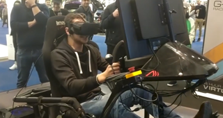 Man's reaction to driving simulator goes viral