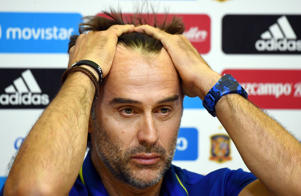 Spain's coach, Julen Lopetegui, gestures during a press conference at the Royal Spanish Football Federation's 'Ciudad del Futbol' in Madrid on September 1, 2017 on the eve of their World Cup 2018 qualifier football match against Italy. / AFP PHOTO / GABRIEL BOUYS        (Photo credit should read GABRIEL BOUYS/AFP/Getty Images)