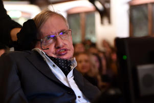 CAMBRIDGE, CAMBRIDGESHIRE - NOVEMBER 21:  Professor Stephen Hawking addressing The Cambridge Union on November 21, 2017 in Cambridge, Cambridgeshire.  (Photo by Chris Williamson/Getty Images)