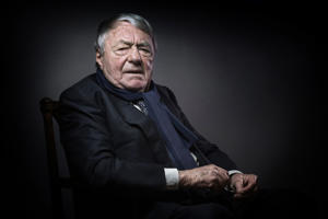 French writer, journalist and movie producer Claude Lanzmann poses in Paris on February 11, 2016. / AFP / JOEL SAGET        (Photo credit should read JOEL SAGET/AFP/Getty Images)