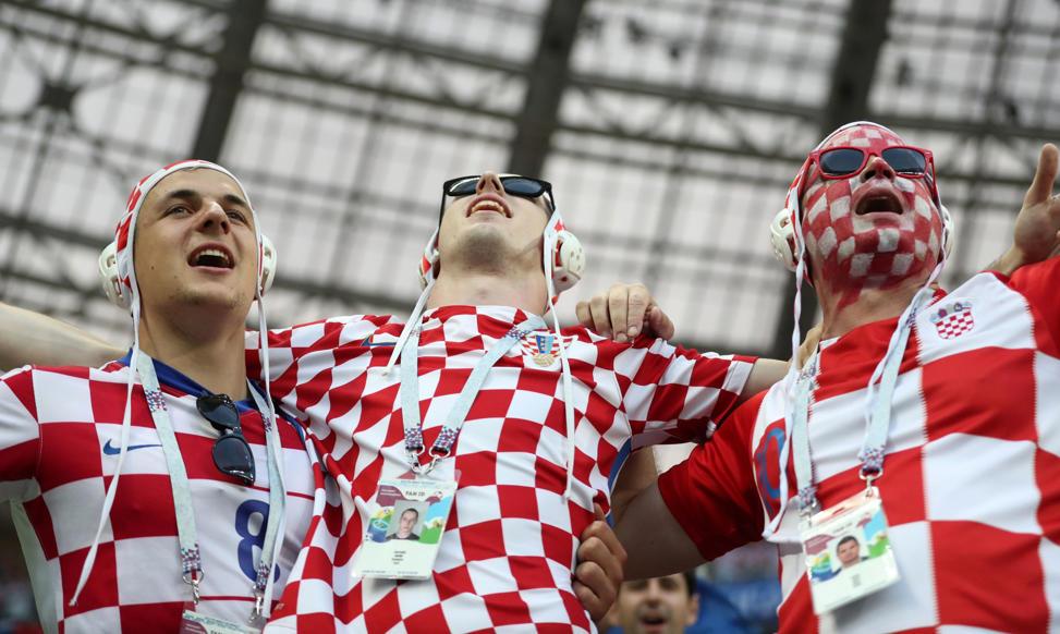 الشريحة 4 من 46: Soccer Football - World Cup - Semi Final - Croatia v England - Luzhniki Stadium, Moscow, Russia - July 11, 2018 Croatia fans inside the stadium before the match REUTERS/Carl Recine