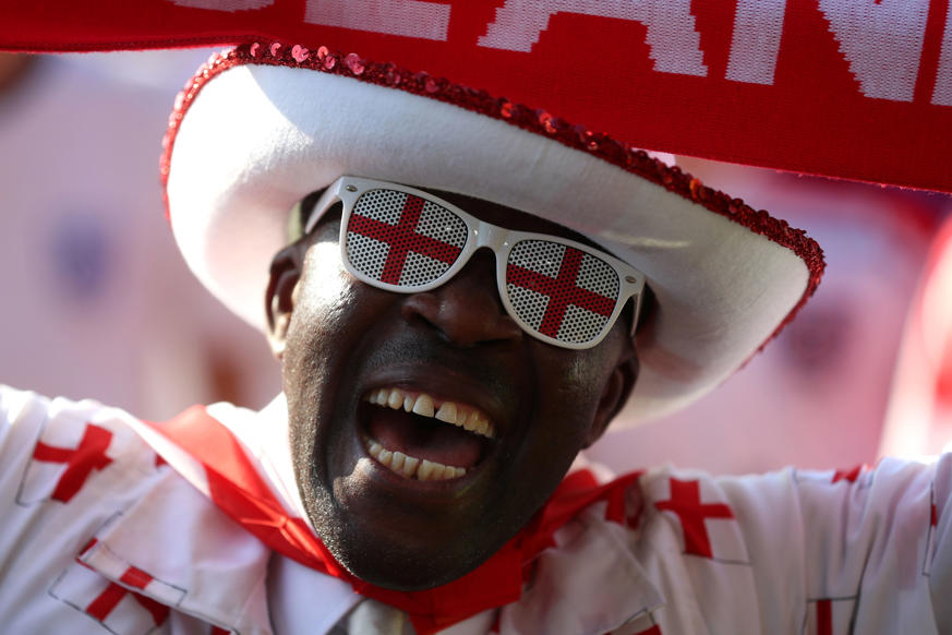 الشريحة 45 من 46: Soccer Football - World Cup - England fans watch Croatia v England - Hyde Park, London, Britain - July 11, 2018 England fan before the match REUTERS/Simon Dawson