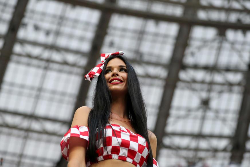 الشريحة 1 من 46: Soccer Football - World Cup - Semi Final - Croatia v England - Luzhniki Stadium, Moscow, Russia - July 11, 2018 Croatia fan inside the stadium before the match REUTERS/Carl Recine