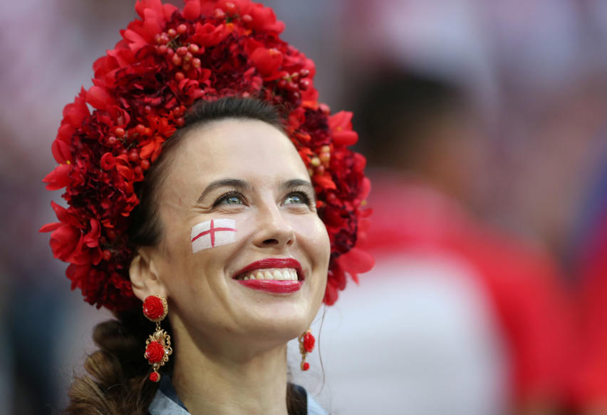 الشريحة 23 من 46: Soccer Football - World Cup - Semi Final - Croatia v England - Luzhniki Stadium, Moscow, Russia - July 11, 2018 England fan inside the stadium before the match REUTERS/Carl Recine