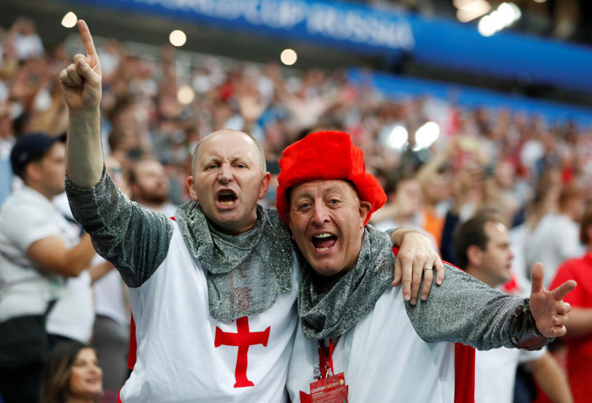 الشريحة 30 من 46: Soccer Football - World Cup - Semi Final - Croatia v England - Luzhniki Stadium, Moscow, Russia - July 11, 2018 England fans inside the stadium before the match REUTERS/Grigory Dukor