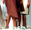 Ville filma under kvinnors kjolar