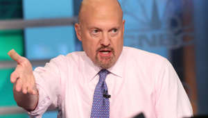 Jim Cramer wearing a blue shirt