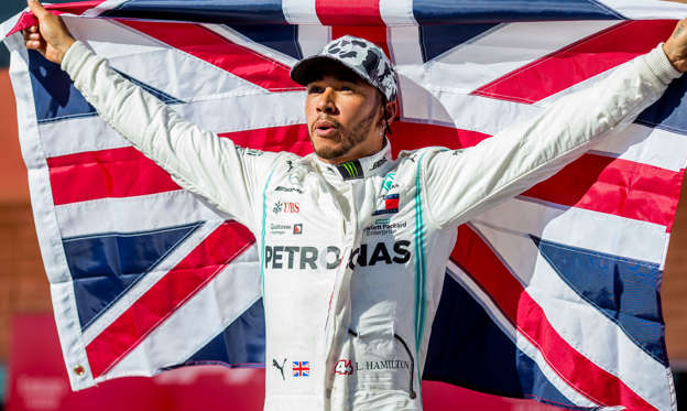 41 枚のスライドの 1 枚目: AUSTIN, TEXAS - NOVEMBER 03: Lewis Hamilton of Mercedes and Great Britain during the F1 Grand Prix of USA at Circuit of The Americas on November 03, 2019 in Austin, Texas. (Photo by Peter J Fox/Getty Images)